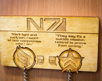 "Mass Effect inspired ""Paragon/Renegade"" Lasercut & engraved keyring and wall mount"
