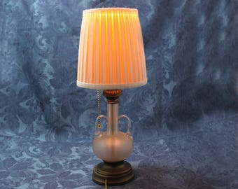 Vintage Accent Light / Night Light with Shade, Glass base, Pull Chain switch