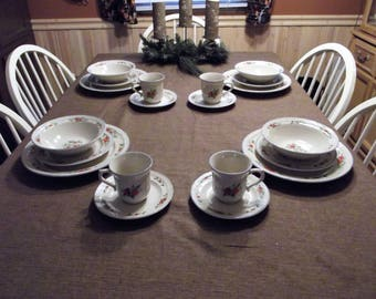Tabletops Unlimited *-* SUSANA *-* 4 Place Setting, 20 Piece Set