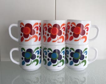 Mokken Arcopal France koffiemokken 2 - 4  of 6  bekers - coffee mugs retro floral design Knorr