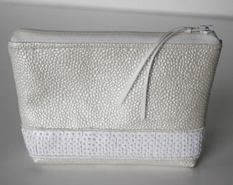 Wallet / faux Pearl White leather card holder and glitter