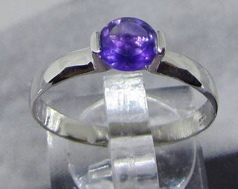 Ring Sterling Silver and Amethyst purple size 56
