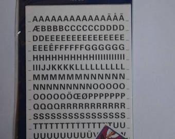"""Deux planches de stickers thèmes """"lettres majuscules"""""""