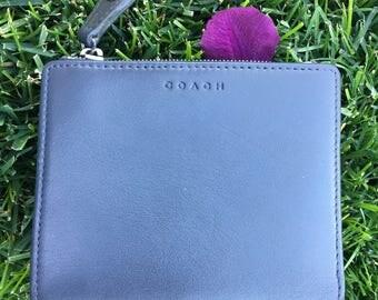 Coach / Coach Wallet / Vintage Coach / Beautiful Vintage Coach Blue Leather Zip Snap Wallet / EUC
