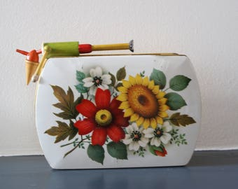 Cake tin with flowers made in England