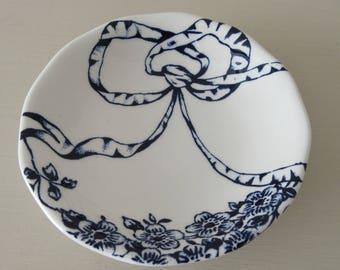 Vintage Gift. James Kent Fenton Garland Pin Dish. Mid Century James Kent Pin Dish. Vintage Pin Dish. Blue and White Vintage Pin Dish