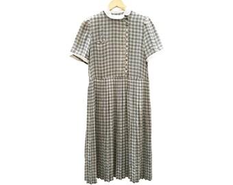 Vintage dress//vintage clothing/vintage pattern/gift for women/floral Print/vintage print/retro/90s/vintage fashion/Sale