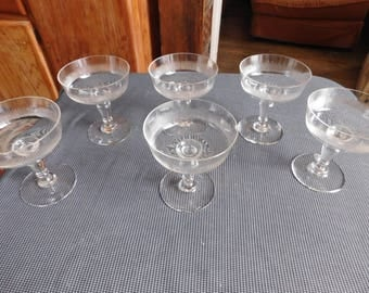 Suite of six cups with champagne Crystal end XIXth early XXth