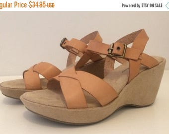SALE Vintage 90s Chinese Laundry | Tan Leather Wedge-Heeled Sandals | Size 7