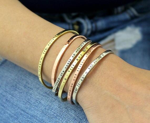 8b78956fa00a Parejas fecha Pulsera boda-fecha - números romanos - parejas fecha - rosa  oro