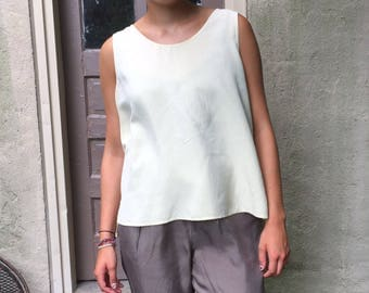Vintage 90s Minimal Creamy White 100% Silk Tank / Sleeveless Silk Blouse | L/XL