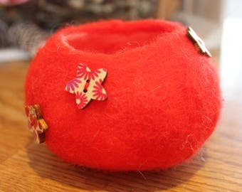 Red felted bowl/storage pod
