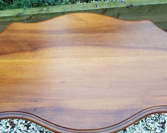 Stunning Antique Victorian  sculptured  Walnut & Mahogany Centre Table or coffee table 19century tilt top as well. superb quality