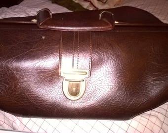 Nice roomy leather doctor bag