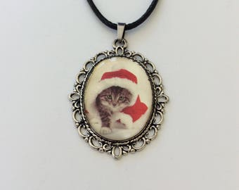 Cute Christmas cat necklace / cat jewellery / animal jewellery / Christmas necklace / Christmas jewellery / Christmas gift