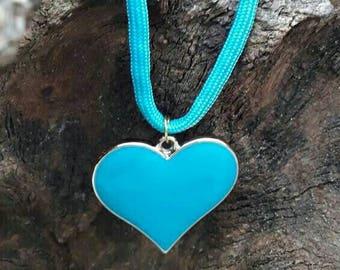 Een lief kettinkje met blauw hartje, voor jouw lieve schat