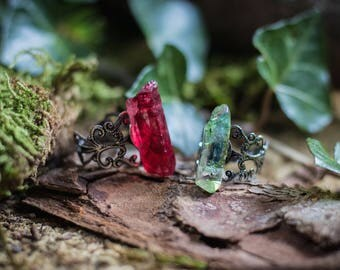 Adjustable Frosted Red Or Green Quartz Crystal Ring