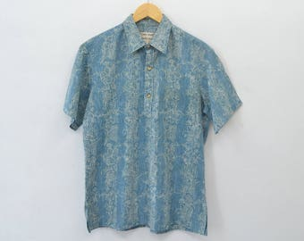 Hawaiian Shirt Hawaiian Tee Vintage 90s Hawaiian Cooke Street Honululu Button Down Shirt Made in USA Size M