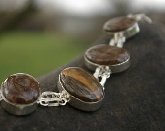 Tiger eye protection bracelet, against the evil eye and black magic.