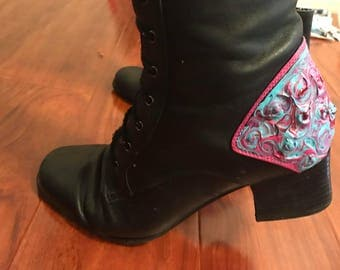 Psychadelic Salem Boots: hand painted