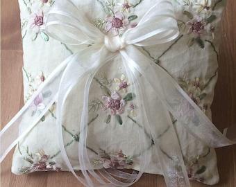 Ivory Ring Bearer Pillow, Beige Ring Bearer Pillow, Ring Bearer Pillow, Handmade Ring Pillow, Modern Ring Bearer Pillow, Wedding Ring Pillow