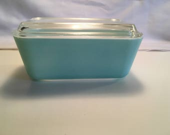 Turquoise Pyrex # 502 Lidded Container Space saver