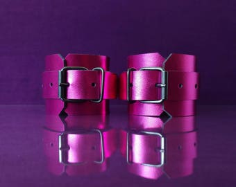 Metallic Purple Leather Cuffs - Patent Leather Handcuffs - PinkPonyClubnl - Bdsm Adult Fetish Kinky DDLG ABDL Ageplay Ab/Dl little
