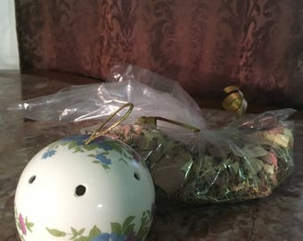 Happy Potpourri and Vintage Pomander