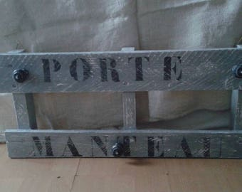 pallet transformed in Gustavian grey weathered coat rack