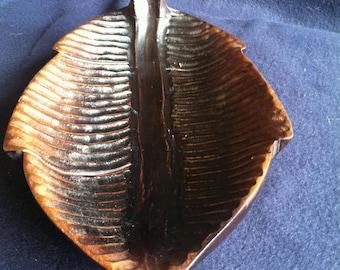 Wood carved Leaf Bowl