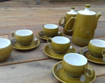 Vintage 1970s Langley Patrition Olive Denby coffee or tea set. Five cups & saucers, sugar bowl and two coffee pots in two  different sizes.