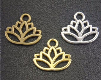 9 charms metal 3 lotus flowers dyed 17 x 14 mm