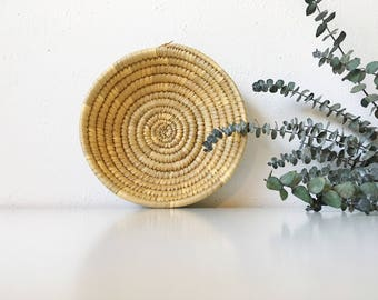 Vintage Handwoven Raffia Coil Wicker Basket Bowl + Beige Neutral + Southwest Tribal Boho Bohemian Jungalow + Wall Basket + Naturally Modern