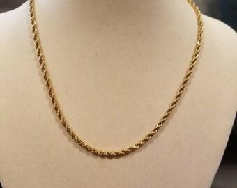 Vintage Trifari gold tone chain