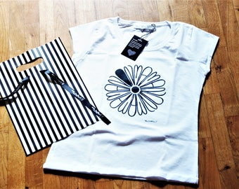 t-shirt  cotton daisy gift for lady