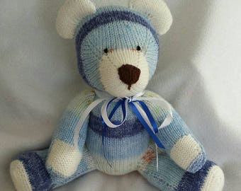 Teddy bear.hand made by local crafts lady 5 soft fairisle choices.blue/peach/pink/lavender and lemon barley mix with contrasting bows.
