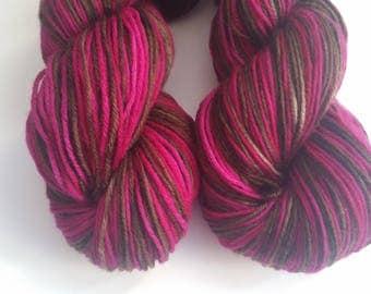 Doppelganger self striping Town sock base 75 Merino 25 Nylon Sock yarn