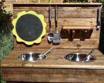 Beautiful 900mm Mud/Play Kitchen