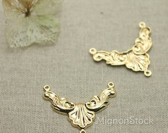Baroque pattern - brass, gold plated - pendants