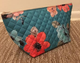 "11"" Wide Quilted Zipper Bag"