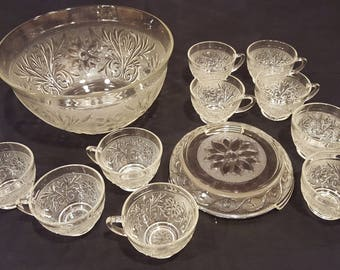 Vintage Anchor Hocking Sandwich Glass Punch Bowl, stand & 10 cups