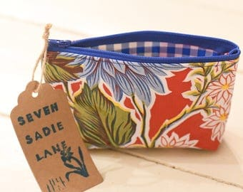 Oil Cloth Zipper Pouch Makeup Bag - Red Flowers