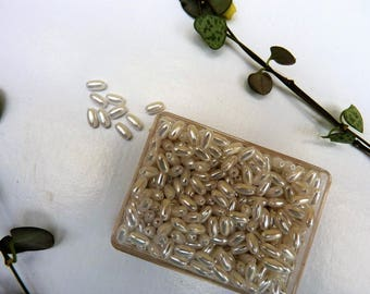 Box of 300 acrylic rice GRB pearly white pearls