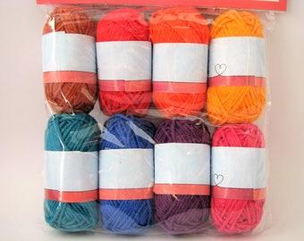 Set de 8 bobines de fils de coton - 25 mètres - jaune - orange - rouge - marron - rose - violet - bleu - turquoise