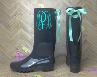 Personalized Rubber Rain boots with bows, Rain Boots, Vinyl Letter, Rubber Rain Boots, Boots, Mud Boots, Personalized Mud Boots