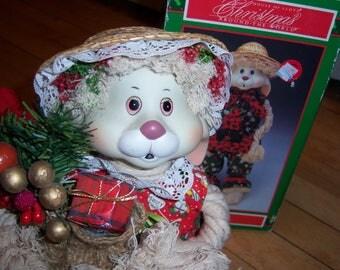 Vintage House of Lloyd Christmas Around the World