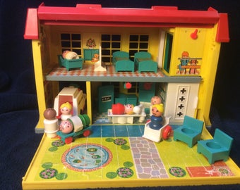 Fisher Price Little People Children's Hospital 1976- complete with accessories