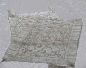"Silver Table Runner 16""x72"""