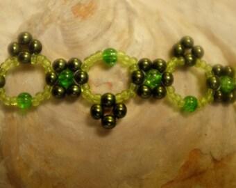 olive green flower round beads bracelet