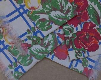 Set of 4 Vintage Printed Napkins/Placemats